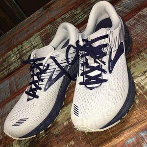 Mens Brooks adrenaline running shoe